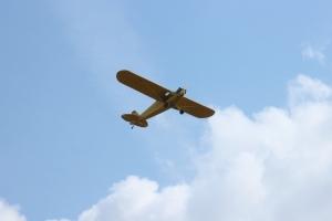 Überflug Piper J-3 Cup