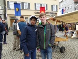 Vereinsjugend mit SG 38 auf dem Vaihinger Marktplatz